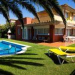 Eine geräumige Villa mit einem schönen Garten und mehreren Terrassen – Torre Simona Alfi